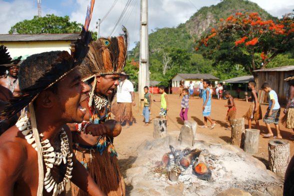 Em entrevista, diz cacique Bolsonaro 'é mal-informado', sobre visão do presidente a respeito de índios 1