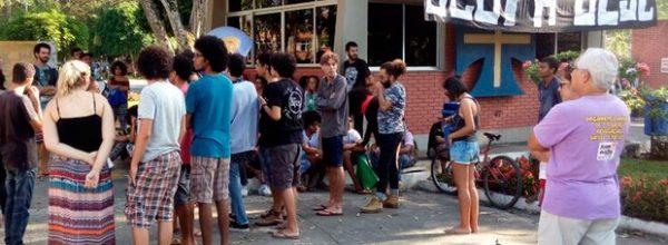 Uesc entra com pedido de reintegração de posse para desocupar campus