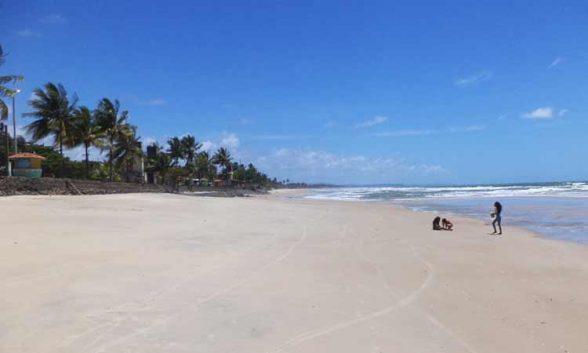 Inema aponta 03 praias impróprias para banho em Ilhéus neste final de semana 1
