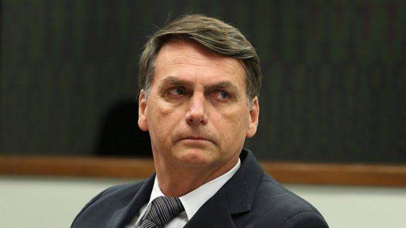 Bolsonaro anuncia campanha de combate à poluição no mar 1