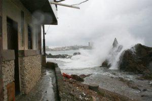 Marinha emite alerta de mau tempo para o litoral sul da Bahia 1