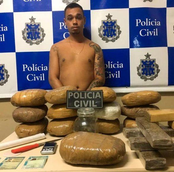 Ilhéus: Homem é preso com drogas e habilitações falsas em um carro roubado 4