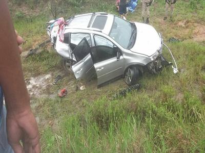 Adolescente de 12 anos morre em acidente após carro capotar na BR-101, corpo foi enterrado em Ilhéus 1