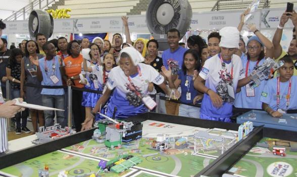 Jovens ilheense participam de campeonato de robótica em Salvador 4
