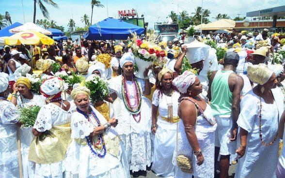 Tradição Secular: Lavagem de Itapuã agrega fé e desfile de blocos. Veja a Programação. 1