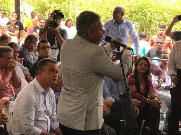 VEJA VÍDEO: Clima fica tenso entre Governador Rui Costa e Prefeito de Simões Filho 8