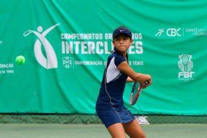 Tenista baiana de 12 anos vence etapa do Brasileiro 1