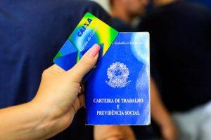 Comissão aprova Medida Provisória que reduz idade mínima para saque do PIS/Pasep 4