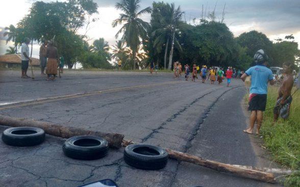 Após mais de 9 horas, índios liberaram rodovia em Olivença 5