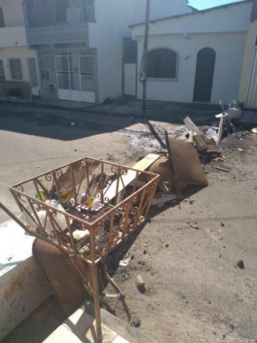 ILHÉUS: Moradores do Nelson Costa realizaram um protesto neste fim de semana 4