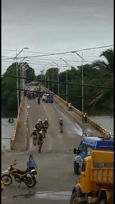 ILHÉUS: FECHAMENTO DE PONTE, CONFUSÃO E CONGESTIONAMENTO MARCA DIA DE PROTESTO EM PROL DOS CAMINHONEIROS 3