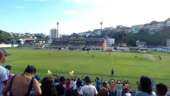 Colo Colo vence e vai ter que golear o Galícia 3