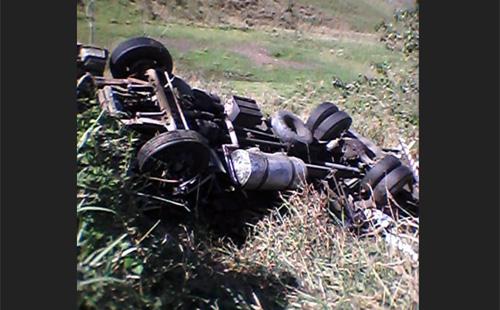 """Identificado caminhoneiro conquistense que sofreu acidente em Itabuna, ele saiu ileso: """"Foi um milagre"""" 1"""