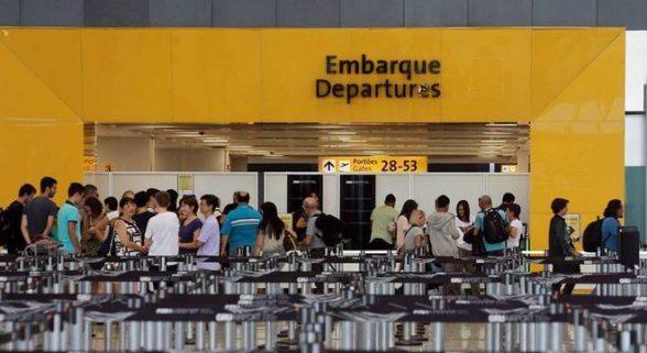 Bolsonaro veta bagagem de até 23 kg gratuita em voos domésticos 1
