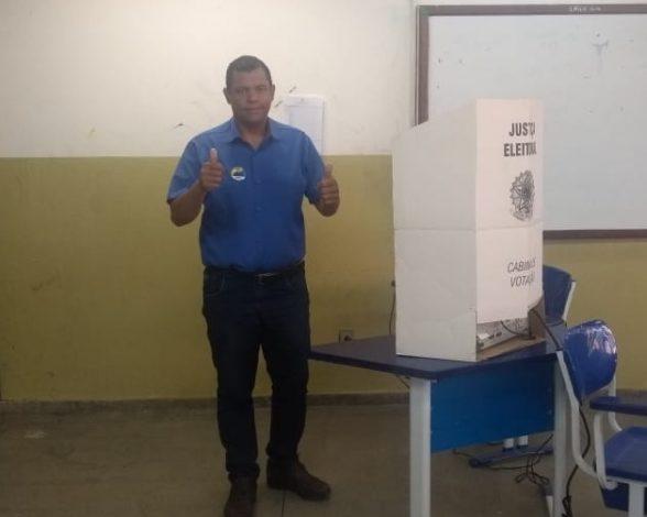 Ciano Filho votou pela manhã no CEFET de Vitória da Conquista 1