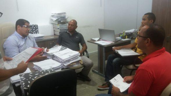 ILHÉUS: Contra demissões, Vereador Nerival e Comissão de ACS e ACE se reúne com Procurador Geral; Entenda toda situação 1
