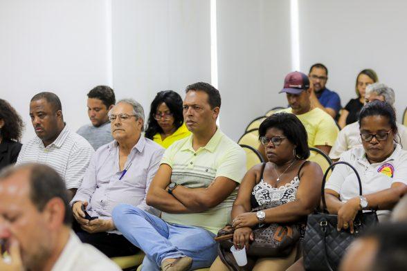 ILHÉUS: Prefeito reúne sindicatos e vereadores para discutir sentença que determina demissão de servidores 2