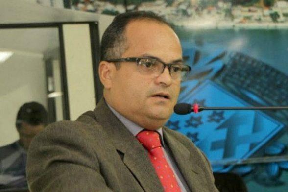 ILHÉUS: Vereador Ivo Evangelista solicita a retirada do projeto de lei que retira beneficios dos servidores municipais 1