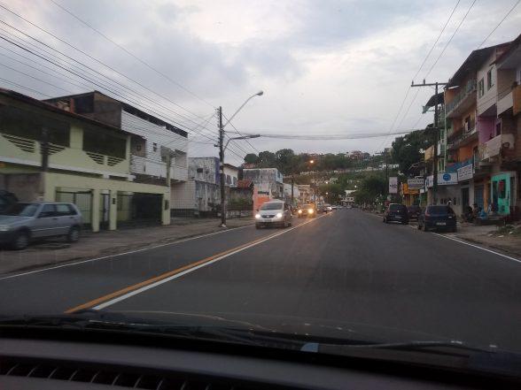 ILHÉUS: Novas faixas pintadas no asfalto confundem; motoristas falam do risco de acidentes 5