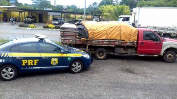 Caminhão é apreendido com toneladas de grãos sem nota fiscal em Itabuna 1