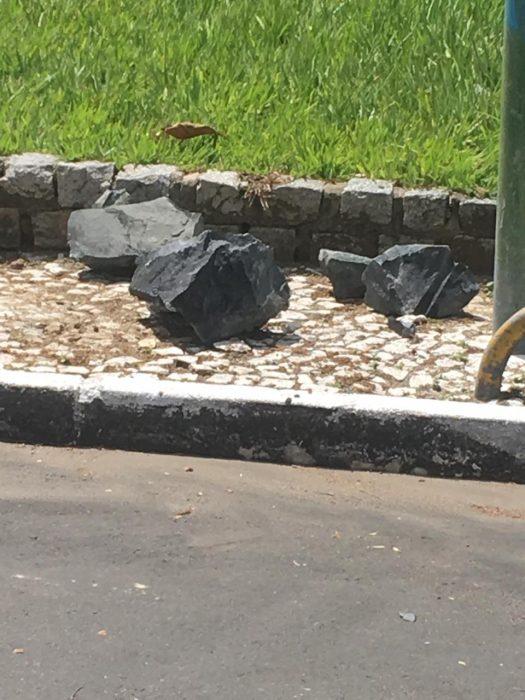 Após explosão, pedras quase causa tragédia no centro de Ilhéus 4