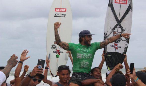 Ilheense participa da qualificação para o Mundial de Surf em Noronha 5