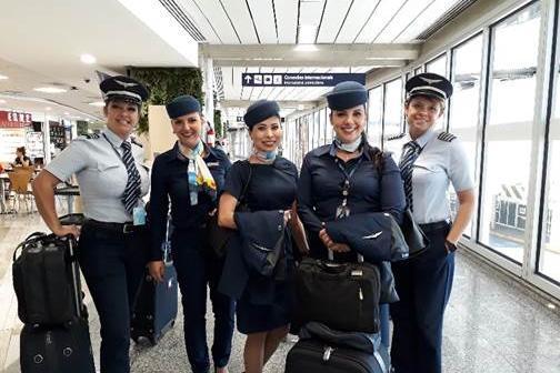 Azul celebra Dia Internacional da Mulher com tripulação 100% feminina 1