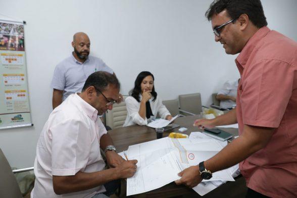 ILHÉUS: Reunião define ajustes com a caixa para convênios no valor de R$ 19 milhões 1