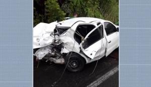 Batida entre carro e caminhonete deixa feridos em Camamu 1