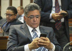Gilmar Mendes, do STF, nega recurso de Jânio Natal e mantém decisão do TJ-BA 6