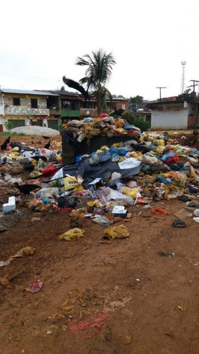 ILHÉUS: População reclama da coleta de lixo na Vila Queiroz 1