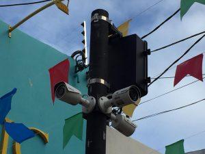 ILHÉUS: Instaladas câmeras de videomonitoramento no centro comercial 7