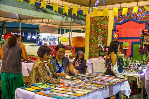 Economia criativa é bem valorizada por visitantes em Vila Cultural em Ilhéus 7