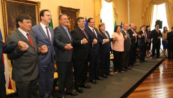 Governadores do Nordeste divulgam carta sobre Reforma da Previdência 4