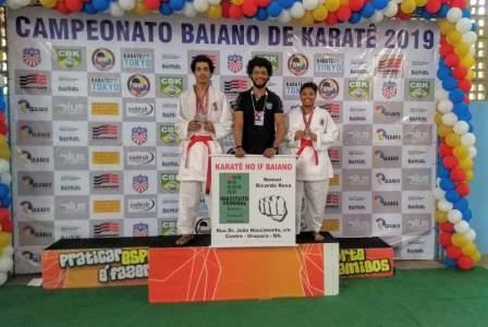 Atletas de Uruçuca conquistam 2º lugar no Campeonato Baiano de Karatê 3