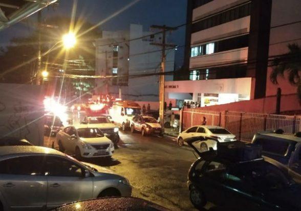 SALVADOR: Elevador despenca do 7º andar de edifício empresarial; há pelo menos cinco feridos 1