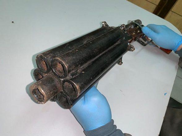 Após laudo, perícia confirma que arma artesanal de seis canos pode matar 1