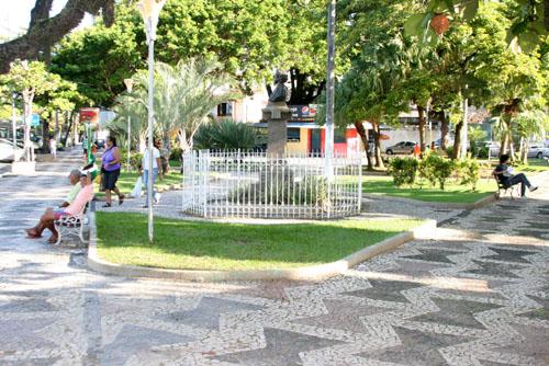 Nota do Instituto Nossa Ilhéus sobre PL que propõe mudança de nome da Praça Castro Alves 1