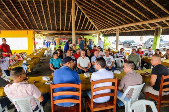 Titular do Turismo da Bahia e cabaneiros de Ilhéus discutem melhorias para o setor 6