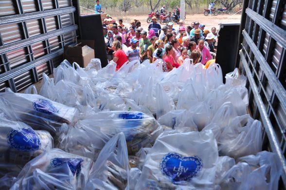 LBV entrega cestas de alimentos a famílias em situação de vulnerabilidade social no sertão São Francisco 2