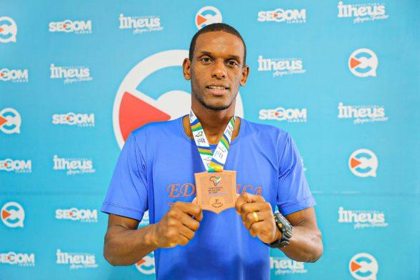 Sem apoio oficial, judoca mantém ranking e traz medalha de bronze para Ilhéus 1