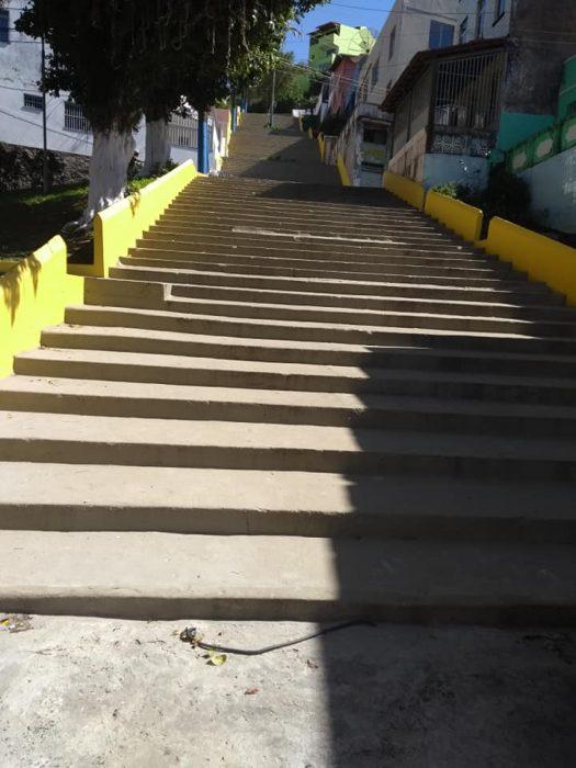 Moradores da Rua Carneiro da Rocha no Centro de Ilhéus pedem reforma da escadaria 3