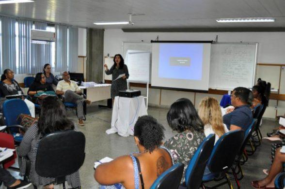 Cerca de 2,5 mil educadores participam de formação no IAT 1