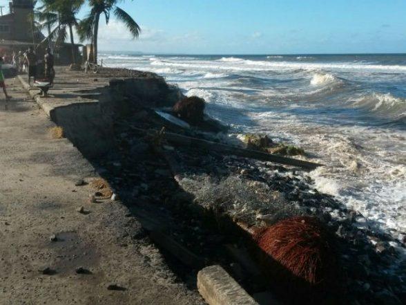 Prefeitura monta força-tarefa para conter avanço do mar na zona norte de Ilhéus 8