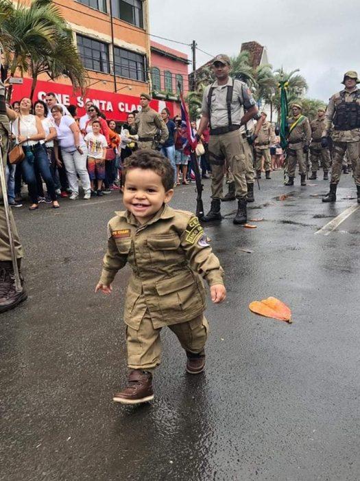 ILHÉUS: Mesmo com chuva, desfile de 7 de setembro não perde a tradição 9