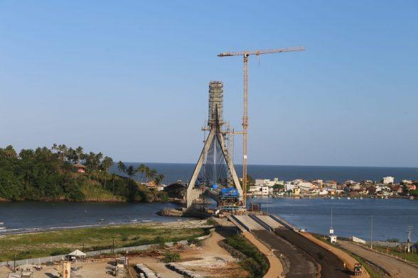 OAS inicia pavimentação asfáltica do trecho centro-norte da nova ponte 5
