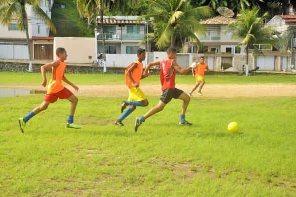 Após chuvas, alunos voltam a treinar na Escolinha de Futebol Os Meninos de Ilhéus 5