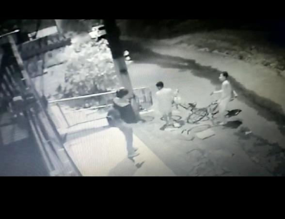 Câmera de segurança flagra roubo em frente a casa em Itabuna 1
