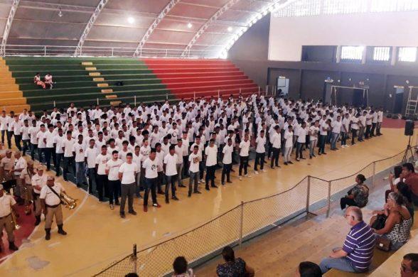 Jovens ilheenses recebem certificados de dispensa do serviço militar 1