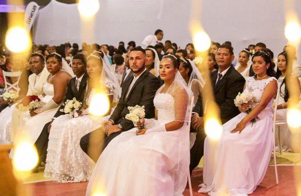 Casais oficializam a união durante casamento comunitário em Ilhéus 1